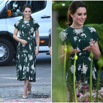 catherine-duchess-of-cambridge-in-rochas-the-chelsea-flower-show-700×700