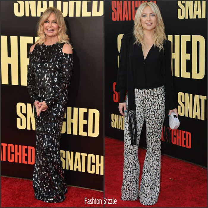 goldie-hawn-kate-hudson-in-michael-kors-snatched-la-premiere-700×700