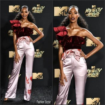jourdan-dunn-in-johanna-ortiz-2017-mtv-movie-tv-awards-700×700 (1)