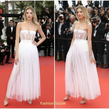 lily-donaldson-in-dior-loveless-nelyuboy-cannes-film-festival-premiere-700×700