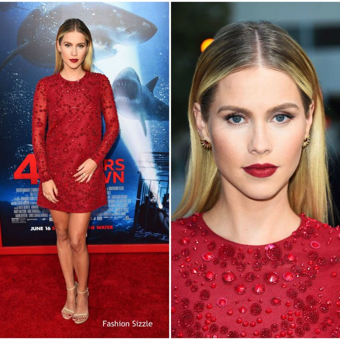 claire-holt-in-ml-monique-47-meters-down-la-premiere-700×700