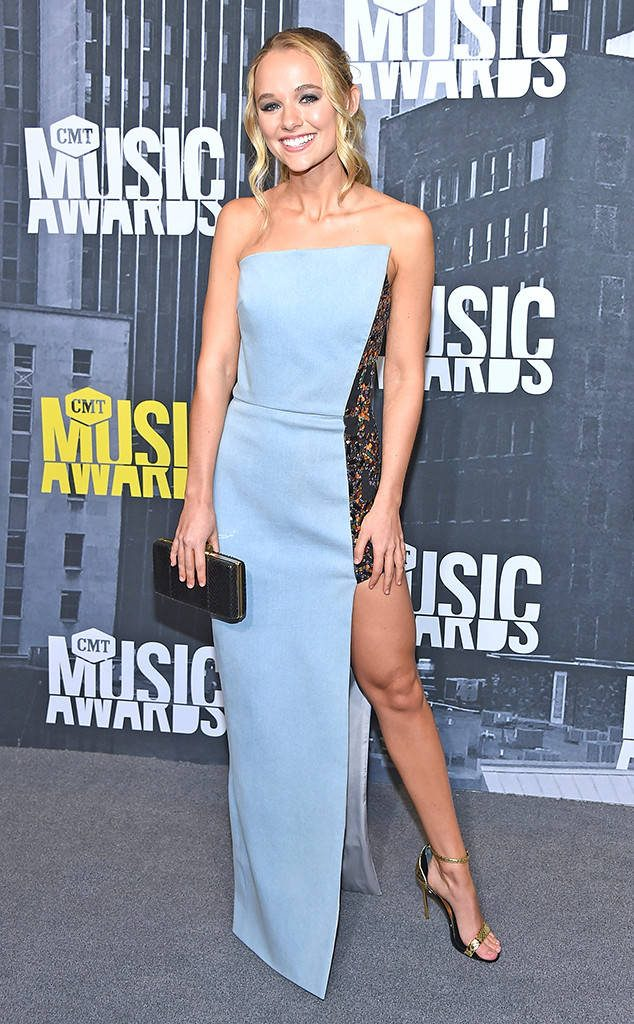 2017 Cmt Music Awards Redcarpet Fashionsizzle