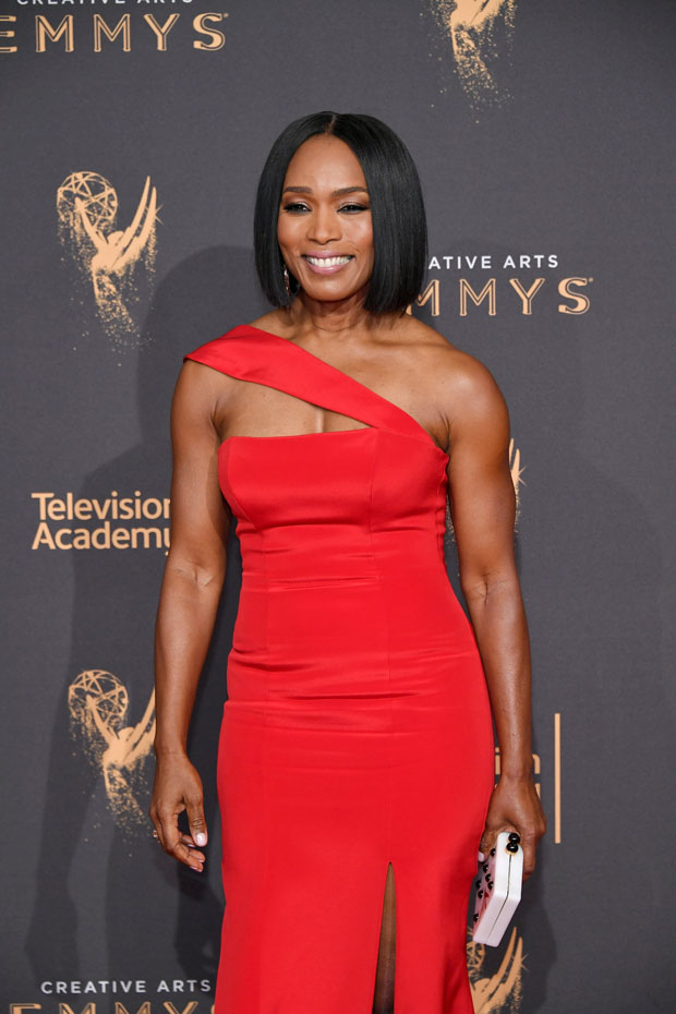 Angela Bassett In Romona Keveža - 2017 Creative Arts Emmy ...