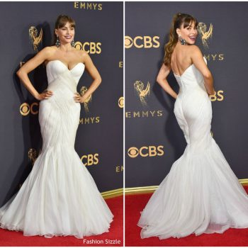 sofia-vergara-in-mark-zunino-2017-emmy-awards-1024×951