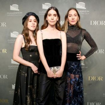 alana-haim-danielle-haim-este-haim-in-dior-guggenheim-international-gala-pre-party