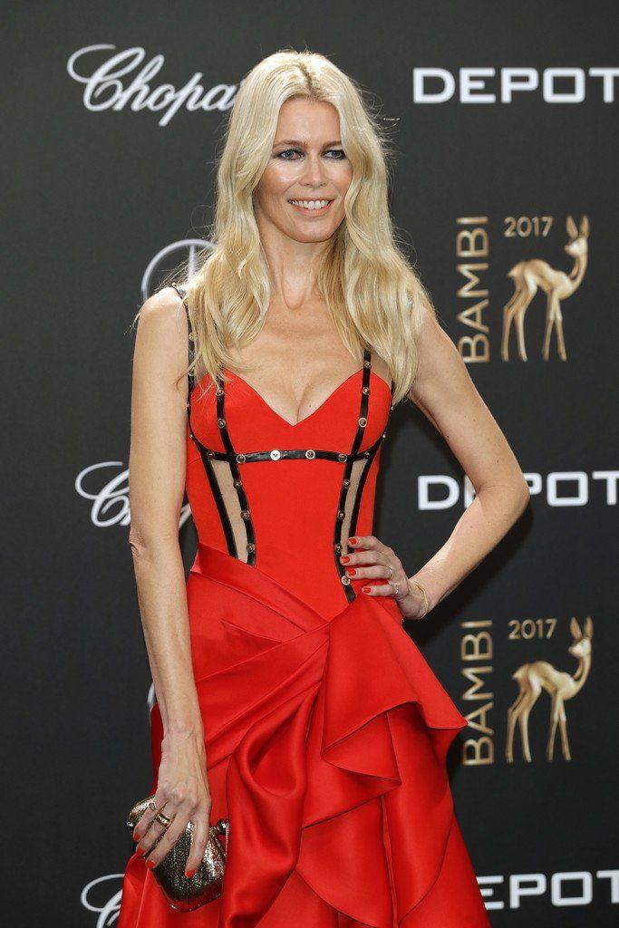 Claudia Schiffer In Atelier Versace 2017 Bambi Awards