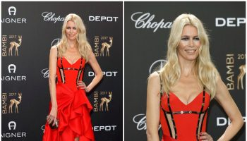 claudia-schiffer-in-atelier-versace-2017-bambi-awards