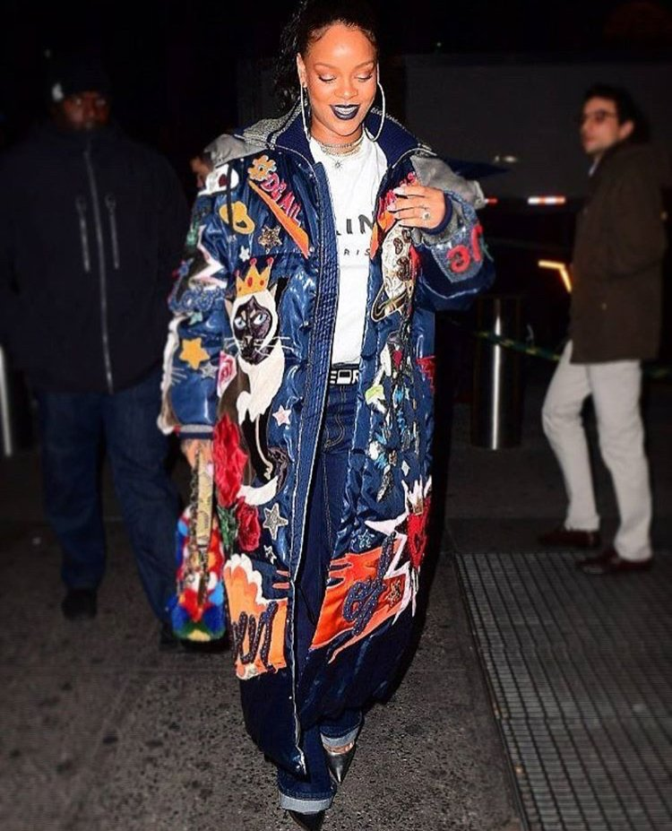 77f070dd5c7d This Fashion Sizzler is rocking a Celine tees styled with a Dolce & Gabbana  'Queen of D&G' puffer coat from the Fall 2017.