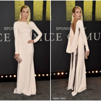 anna-camp-in-antonio-berardi-pitch-perfect-3-la-premiere
