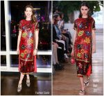 Anne Hathaway In Valentino – 'Every Mother Counts' Dinner