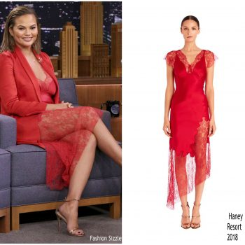 chrissy-teigen-in-haney-tonight-show-starring-jimmy-fallon