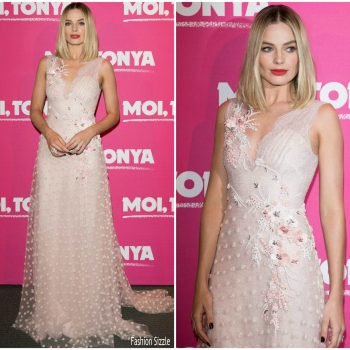 margot-robbie-in-rodarte-i-tonya-paris-premiere