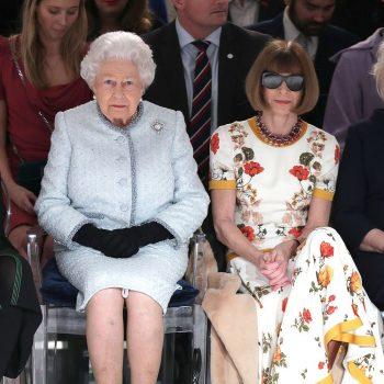 queen-elizabeth-ii-and-anna-wintour-richard-quinn-fashion-show