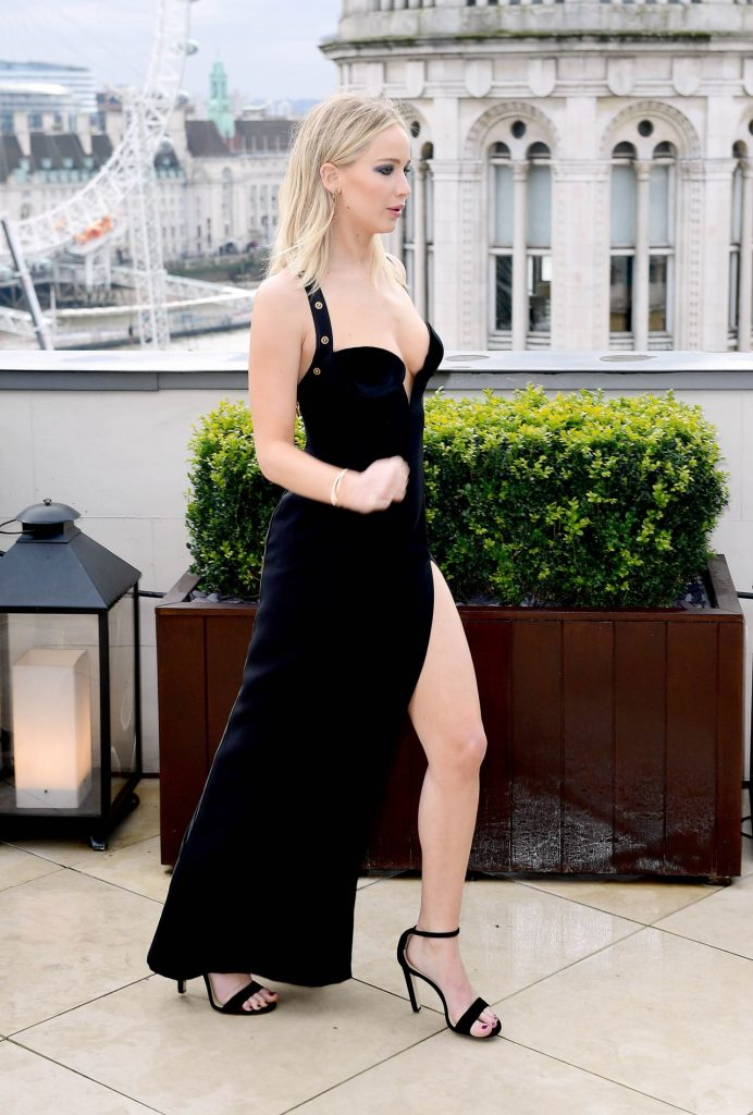 Jennifer Lawrence In Versace @ 'Red Sparrow' London ...