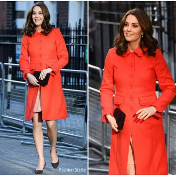 catherine-duchess-of-cambridge-in-boden-great-ormand-street-hospital-visit