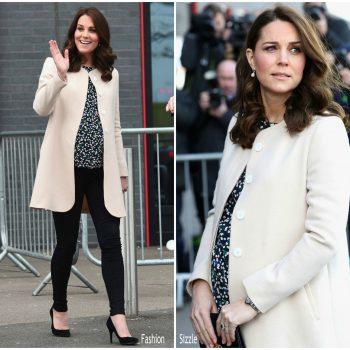 duchess-of-cambridge-in-goat-coat-hobbs-top-commonwealth-games-in-london