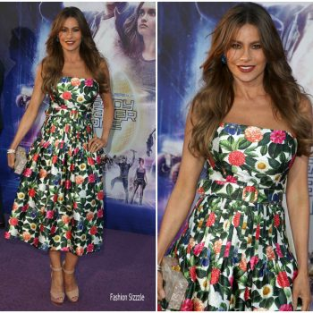 sofia-vergara-in-oscar-de-la-renta-ready-player-one-la-premiere