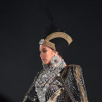 beyonces-wears-custom-balmain-egyptian-inspired-cape-headpiece-Coachella