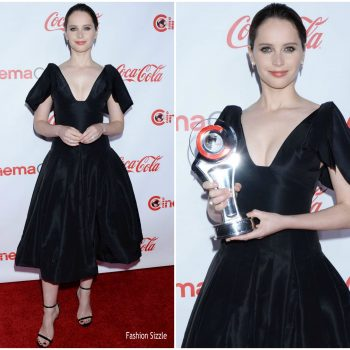 felicity-jones-in-oscar-de-la-renta-cinemacon-big-screen-achievement-awards