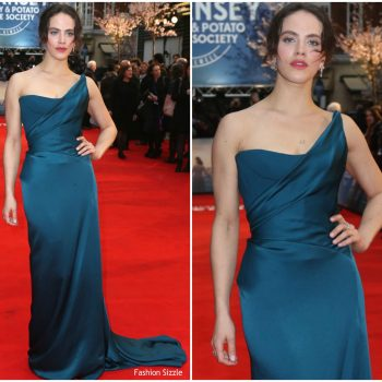 jessica-brown-findlay-in-vivienne-westwood-couture-the-guernsey-literary-and-potato-peel-pie-society-world-premiere