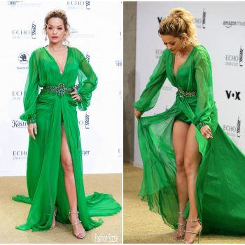 rita-ora-in-versace-escho-music-awards