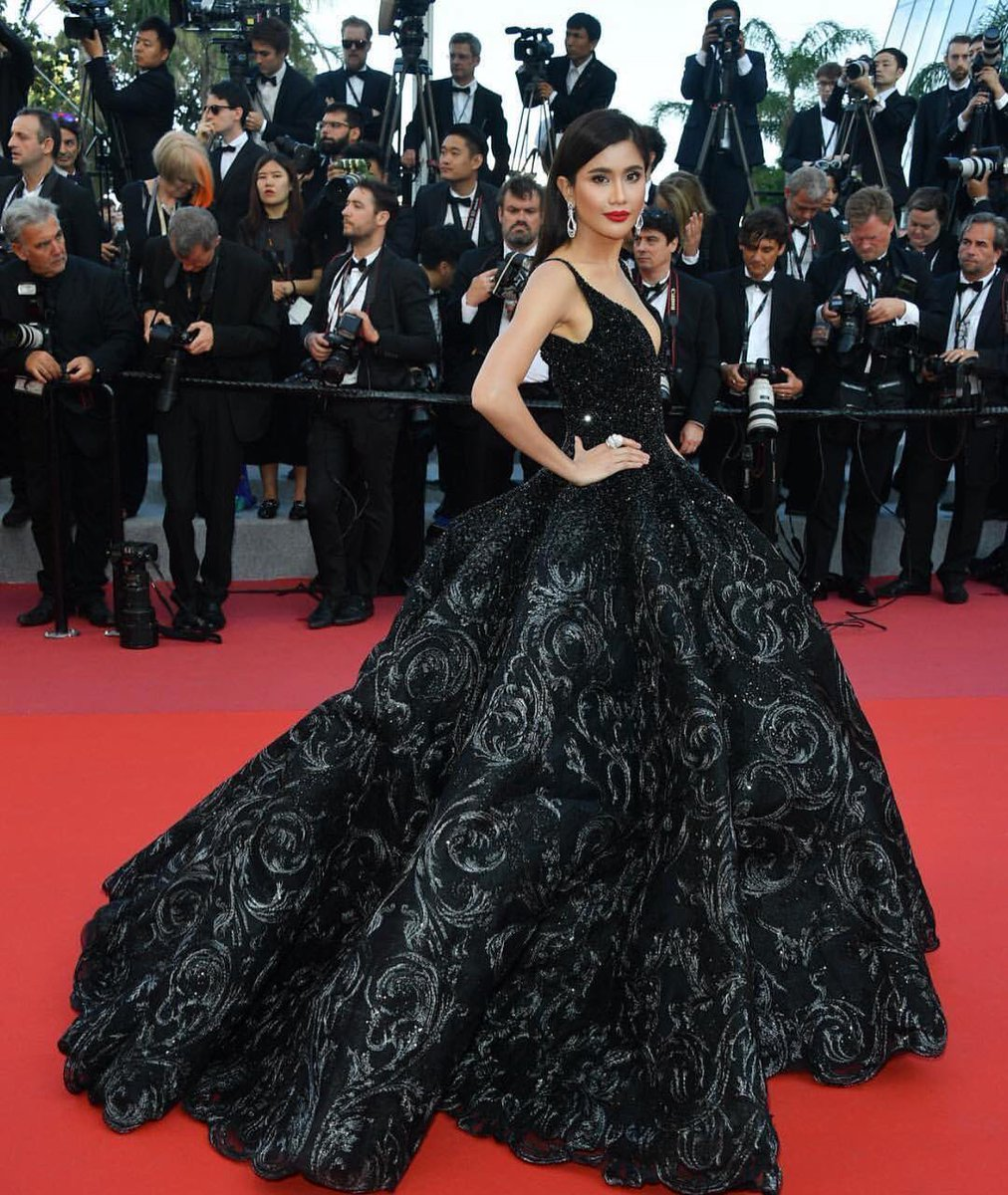 praya-lundberg-in-michael-cinco-couture-ash-is-the-purest-white-jiang-hu-er-nv-cannes-film-festival-premiere