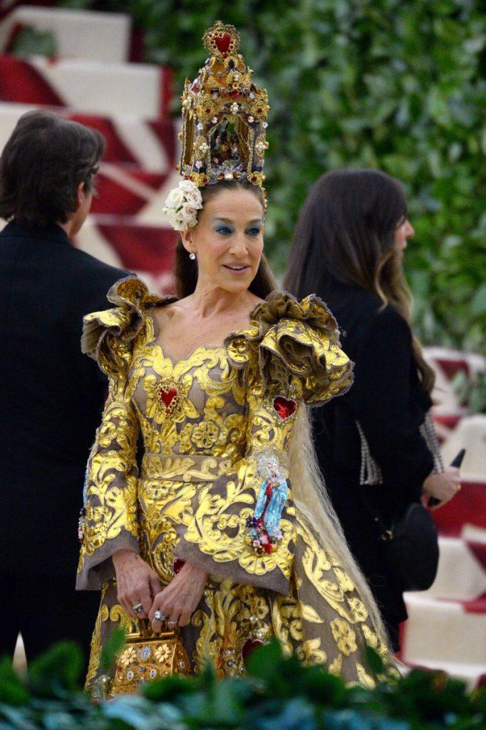 Sarah Jessica Parker In Dolce & Gabbana @ 2018 Met Gala ...