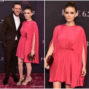 kate-mara-jamie-king-in-valentino-pose-new-york-premiere