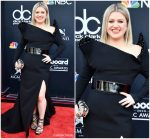 Kelly Clarkson In Christian Siriano  @ 2018 Billboard Music Awards.