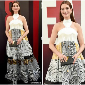 anne-hathaway-in-jean-paul-gaultier-haute-couture-oceans-8-new-york-premiere