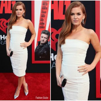 isla-fisher-in-tom-ford-tag-la-premiere