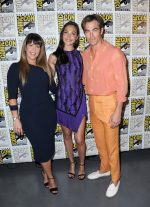 Patty Jenkins, Chris Pine and Gal Gadot (in David Koma) @  2018 Comic-Con