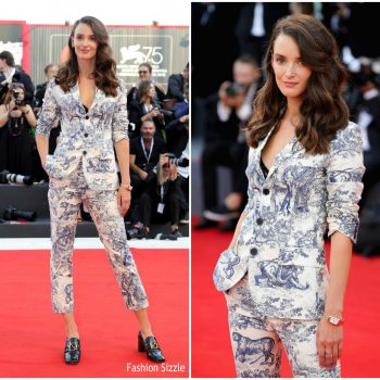 charlotte-le-bon-in-chriatian-dior-first-man-venice-film-festival-premiere-opening-ceremony