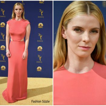 betty-gilpin-in-vera-wang-2018-emmy-awards