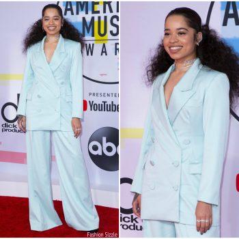ella-mai-in-sergio-hudson-2018-american-music-awards