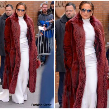 jennifer-lopez-in-stephane-rolland-the-view
