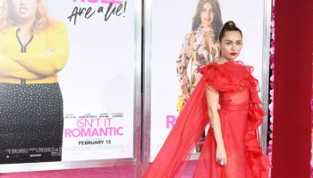 "miley-cyrus-in-valentino-@-""isn't-it-romantic""la-premiere"