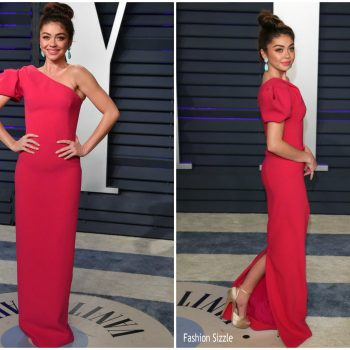 sarah-hyland-in-zac-posen-2019-vanity-fair-oscar-party