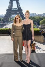Jessica Chastain (in Ralph Lauren) and Sophie Turner (in Mugler) @ 'X-Men: Dark Phoenix' Paris Photocall