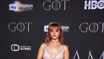 maisie-williams-in-coach-@-'game-of-thrones'-season-8-belfast-premiere