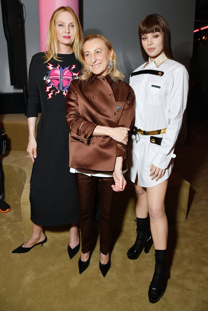 uma-thurman,-miuccia-prada-and-hailee-steinfeld,-all-in-prada-@-prada-resort-2020-fashion-show