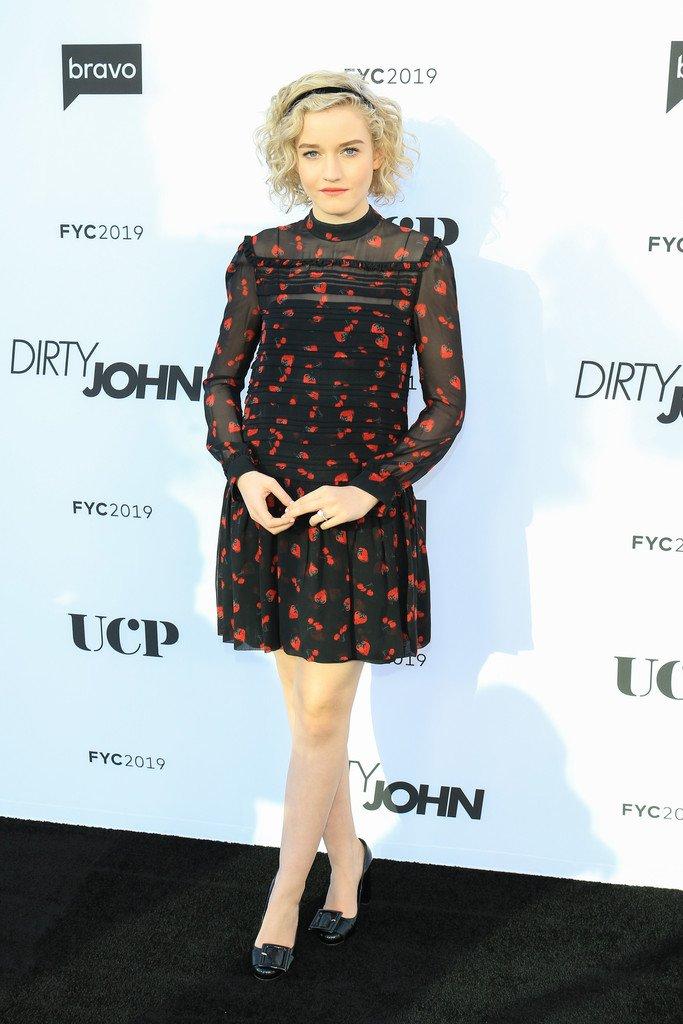 julia-garner-in-miu-miu-@-bravo's-'dirty-john'-fyc-event