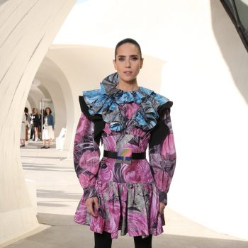 jennifer-connelly-in-louis-vuitton-@-louis-vuitton-cruise-2020-fashion-show