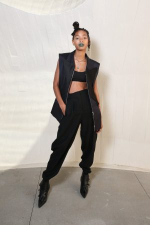 willow-smith-in-louis-vuitton-@-louis-vuitton-cruise-2020-fashion-show