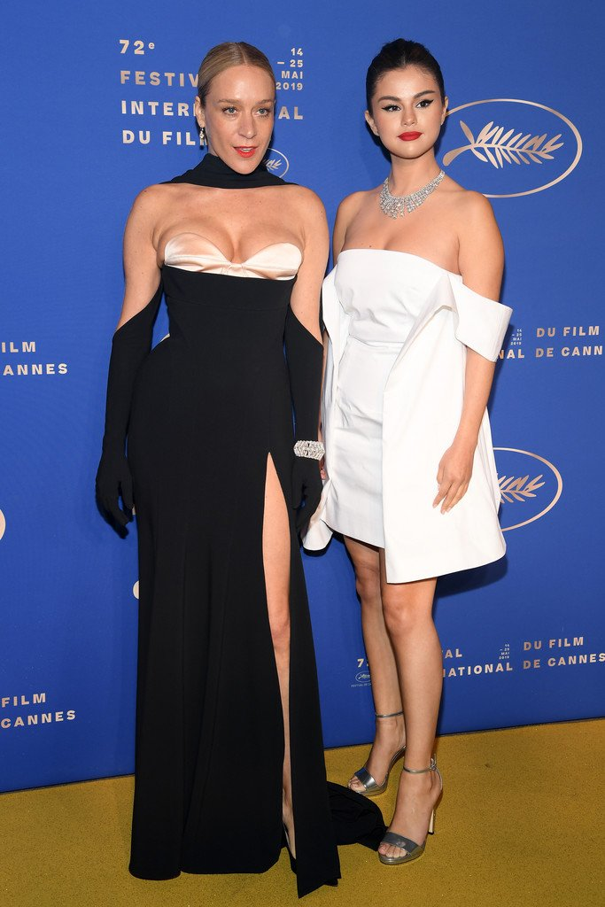chloe-sevigny-(in-mugler)-and-selena-gomez-(in-louis-vuitton)-@-the-gala-dinner-during-the-72nd-annual-cannes-film-festival