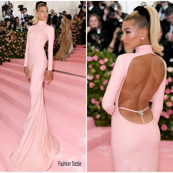 hailey-bieber-in-alexander-wang-2019-met-gala