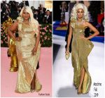 Mindy Kaling  In Moschino @ 2019 Met Gala