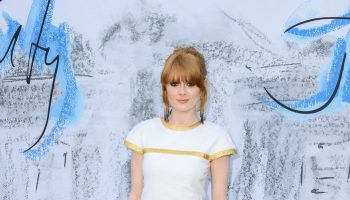 emily-beecham-in-chanel-@-the-2019-serpentine-summer-party