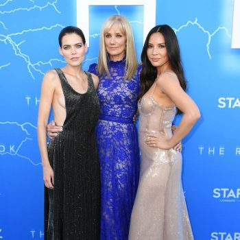 emma-greenwell-(in-giorgio-armani),-joely-richardson-(in-claire-mischevani)-and-olivia-munn-(in-galvan-london)-@-'the-rook'-la-premiere