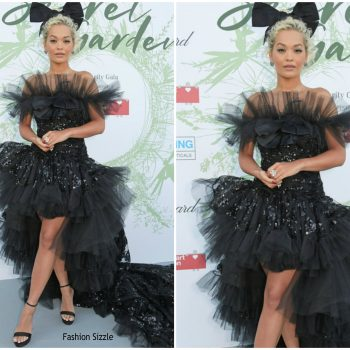 rita-ora-in-giambattista-valli-the-naked-heart-foundation-2019